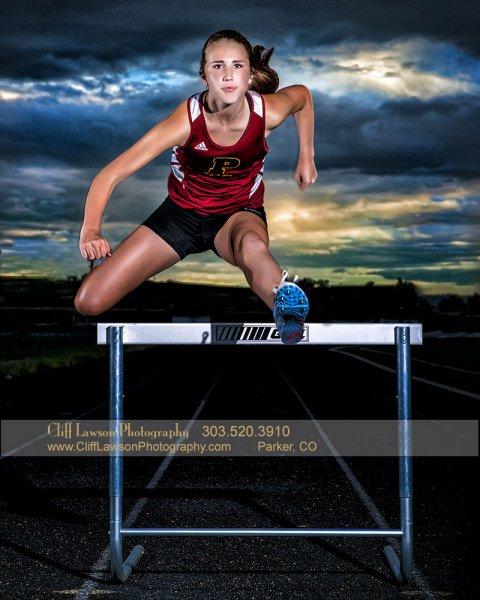 senior-portrait-track-hurdles-madd429