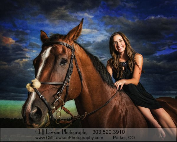 senior-portrait-with-horse-chloe296t